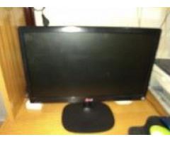 Monitor marca LG LED LCD Modelo 19M35 19 pulgadas