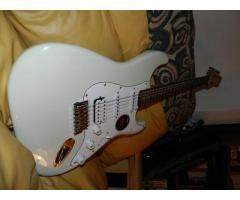Guitarra Squier California Stratocaster HSS