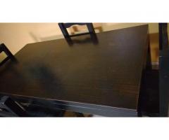 Mesa comedor mas 4 sillas usada