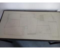 Mesa o escritorio con base de hierro y tapa en melamina