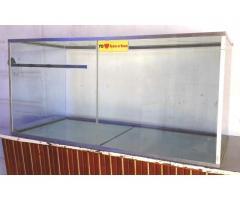Caramelera vitrina kiosko tipo pecera de vidrio y perfiles de aluminio