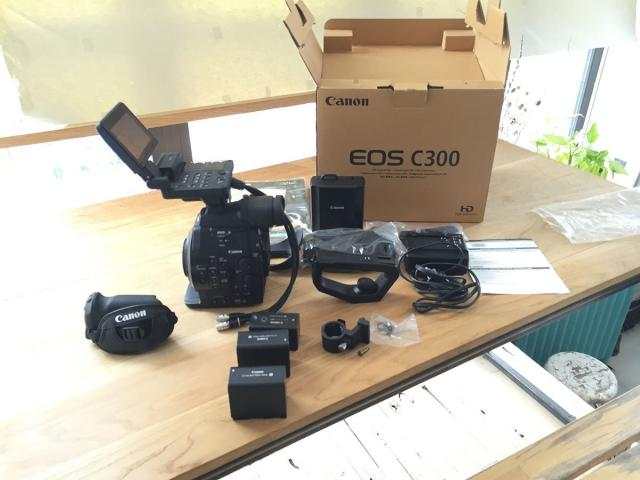Canon Cinema EOS C300 Mark II /Nikon D500 /Canon eos 5D mark iv - 1/3