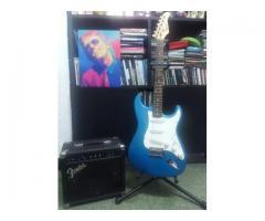 Vengo Guitarra Texas + ampli Fender + accesorios