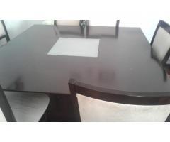 Vendo mesa incluyendo las sillas