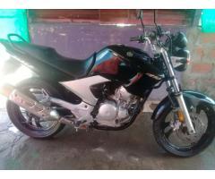 vendo o permuto Yamaha Fazer 250