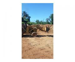 vendo o permuto retro excavadora  MF