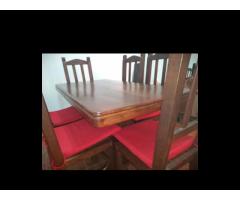 Mesa y sillas del algarrobo
