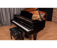 Magnífico piano de cola Yamaha C3.