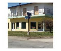 Se alquila local comercial en Maria Grande