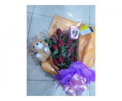 Ramos de rosas peluche y bombones a domicilio