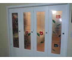 Fabrica de puerta plegadiza y rebatible