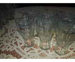 Vasos Surtidos De Vidrios Y De Coca Cola
