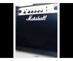 Amplificador Marshall MG 15cf