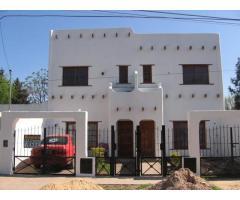 Casa tipo duplex ph 2 dormitorios