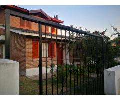 Hermosa casa en LA FALDA en Alquiler por TEMPORADA