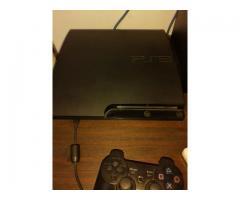 Playstation 3, con 18 juegos (9 físicos y 9 cargados) perfecto estado