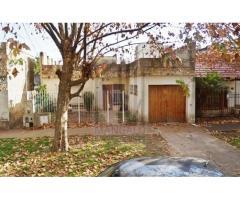 Casa en Quilmes Oeste 3 ambientes San Luis 400
