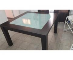 Exelente mesa cuadrada