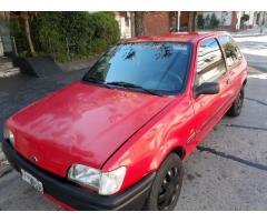 Vendo ford fiesta 1995 español titular con gnc y nafta
