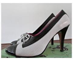 Zapatos de cuero de mujer talle 38/9