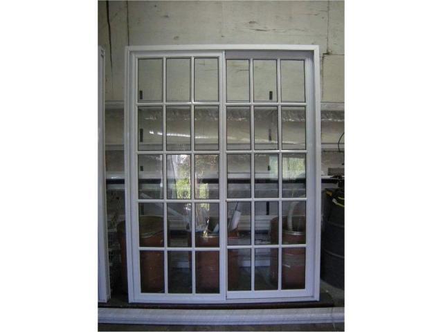 nuevas puertas balcon aluminio blanco vidrio repartido