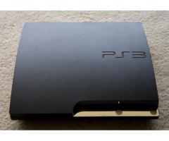 Playstation 3 Slim 160 GB + 3 joystick + 4 juegos